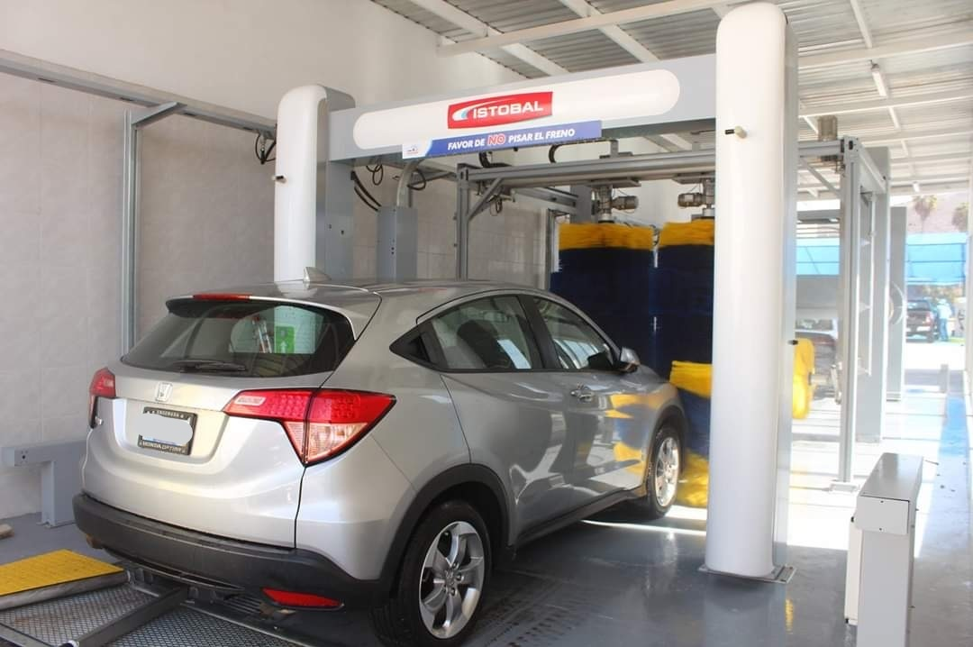 Saving Water Through Efficient Car Wash Tunnel